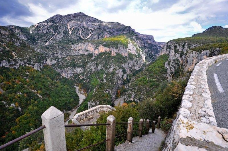 Вердонська Ущелина, або великий каньйон Вердон, вражаюча природна пам'ятка Франції (16)