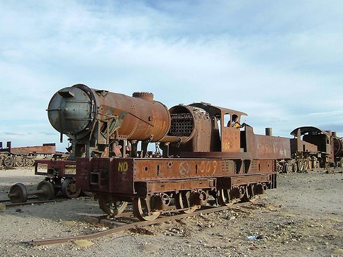 Кладовище поїздів Уюні (3)