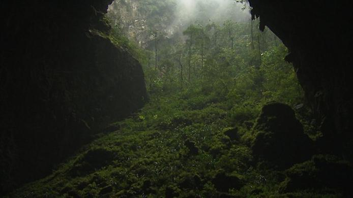Хан Сон Дунг. Найбільша печера в світі (3)