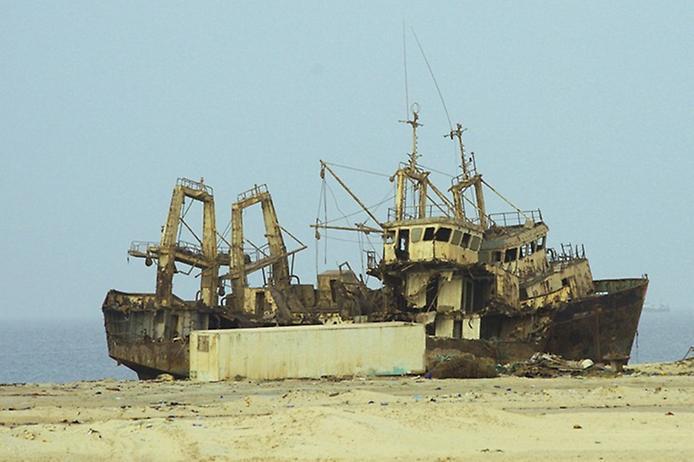 Найбільше у світі кладовище кораблів (5)