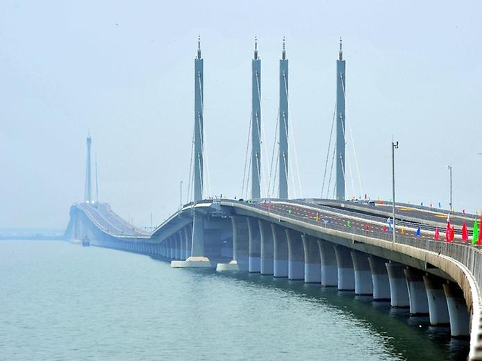 Унікальний міст Циньдао Гайвань. Найдовший міст в світі (1)