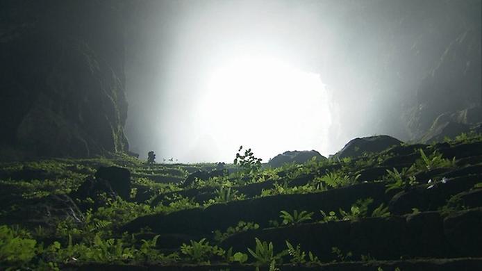 Хан Сон Дунг. Найбільша печера в світі (2)