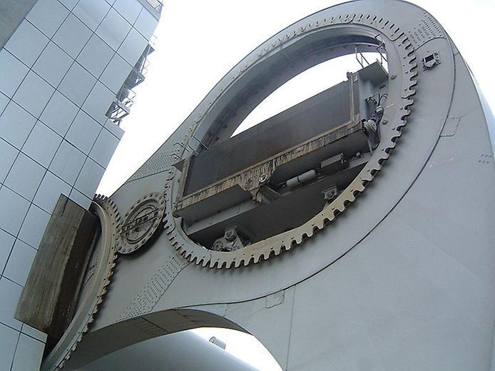 Колесо Фолкерк. Гігантський ліфт для човнів (1)