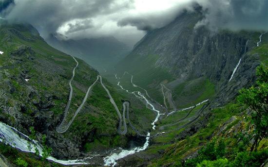 Норвезька гірська дорога Трольштіген