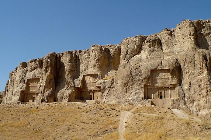 Накш-Рустам. Гробниця перських королів (1)