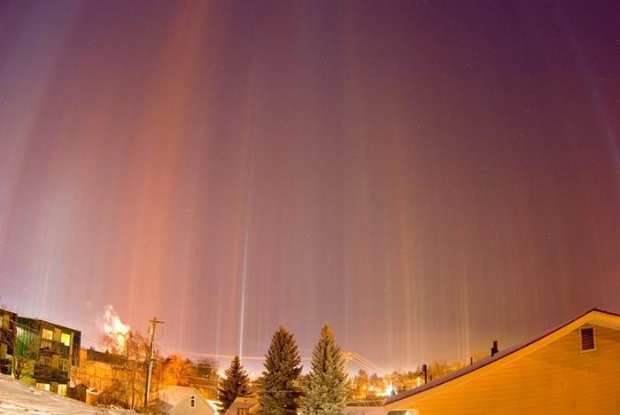 Стовпи світла: унікальне зимове атмосферний диво (5)