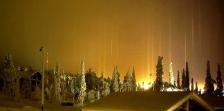 Стовпи світла: унікальне зимове атмосферний диво (4)