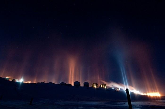 Стовпи світла: унікальне зимове атмосферний диво (1)