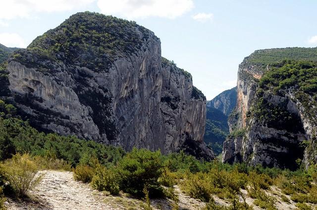 Вердонська Ущелина, або великий каньйон Вердон, вражаюча природна пам'ятка Франції (13)