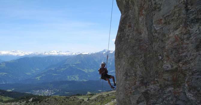 Дивовижний міні-готель в горах Швейцарії (10)