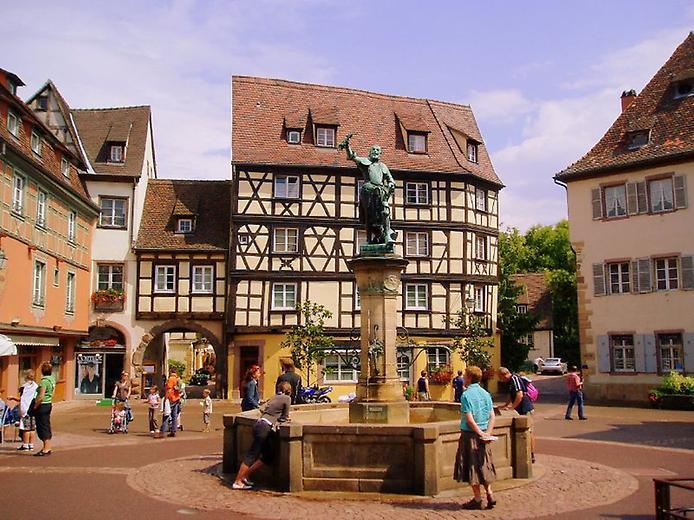 Дивовижний місто Кольмар, Франція (6)