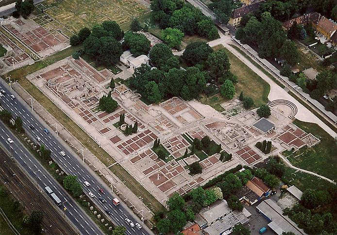 Стародавнє місто Аквінкум (4)