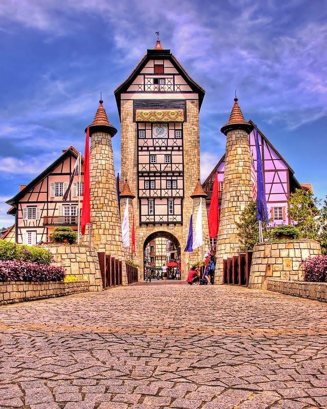 Дивовижний місто Кольмар, Франція (18)