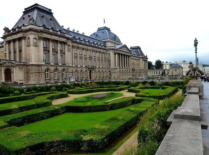Величний королівський палац. Резиденція короля (3)