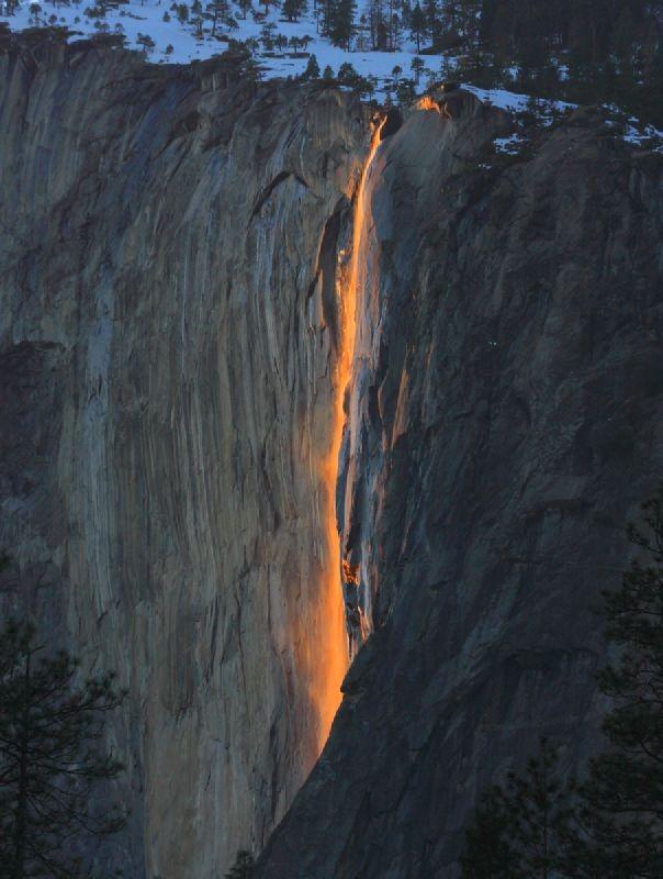 Вогняний водоспад Хорстейл (1)
