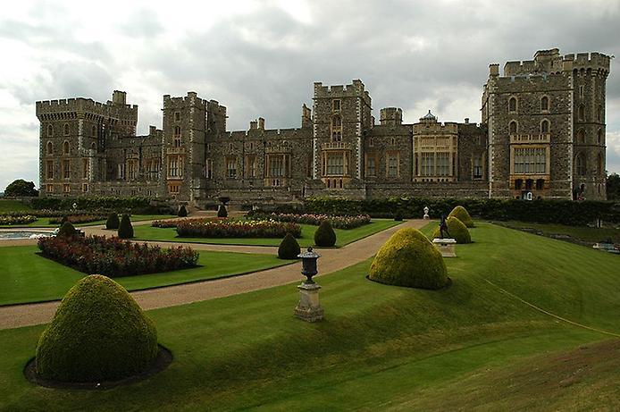 Віндзорський замок. Символ монархії (1)