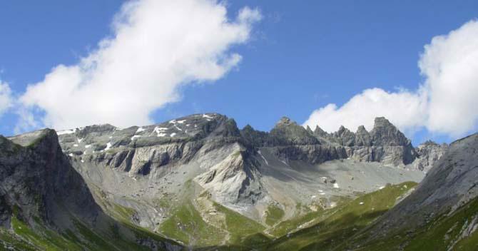 Дивовижний міні-готель в горах Швейцарії (9)