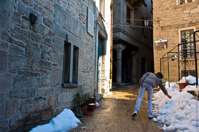 Сан-Марино - крихітна держава на скелях (12)
