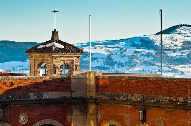 Сан-Марино - крихітна держава на скелях (11)