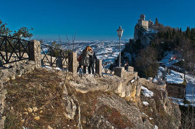 Сан-Марино - крихітна держава на скелях (10)