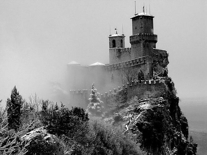 Сан-Марино - крихітна держава на скелях (4)