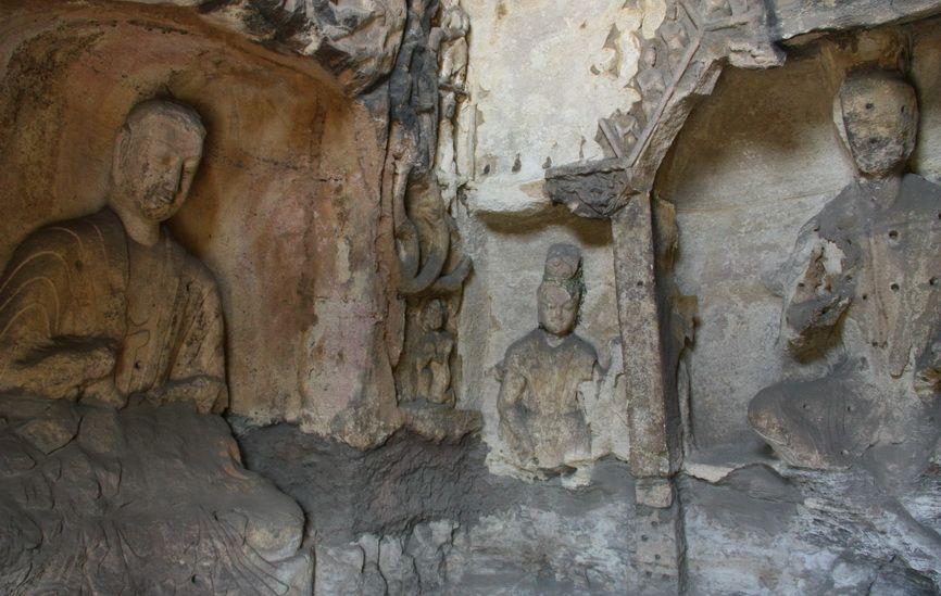 """Пізніші печери, споруджувалися на гроші багатих мирян, вже не мали величезних розмірів """"царських"""" гротів, зате число їх обчислюється сотнями. Правда, для огляду доступні далеко не всі печери."""