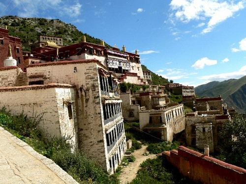 Монастир Ганден