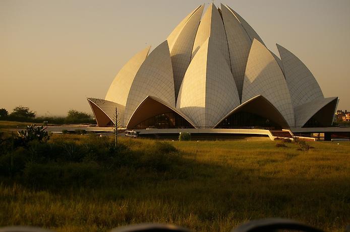 Храм Лотоса. Дивовижна квітка Нью-Делі (1)