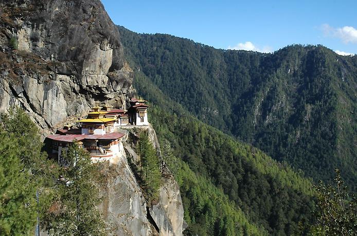Ширяючий над землею монастир Такцанг-Лакханг в Бутані (6)