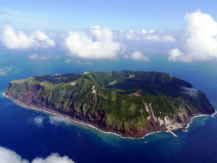 Найнезвичайніший вулканічний острів Японії. Аогашіма (11)