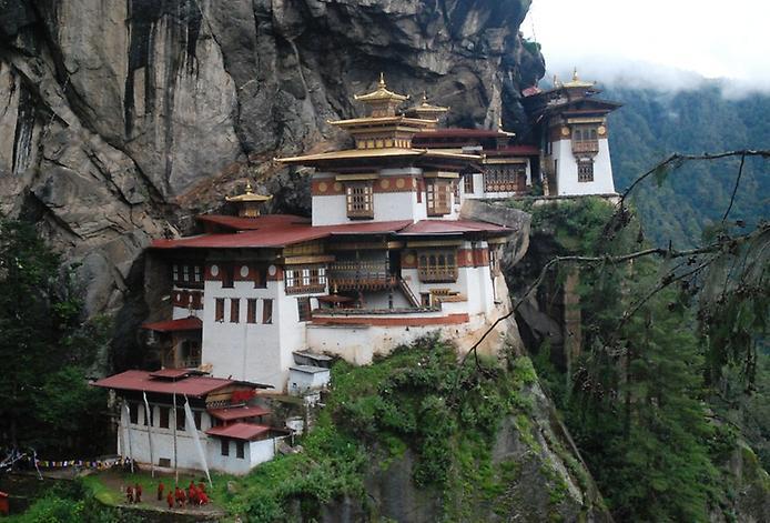 Ширяючий над землею монастир Такцанг-Лакханг в Бутані (4)