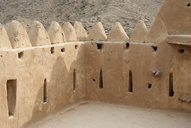 Неймовірна літаюча фортеця Аль Хейль в ОАЕ (4)