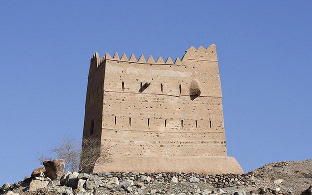 Неймовірна літаюча фортеця Аль Хейль в ОАЕ (2)