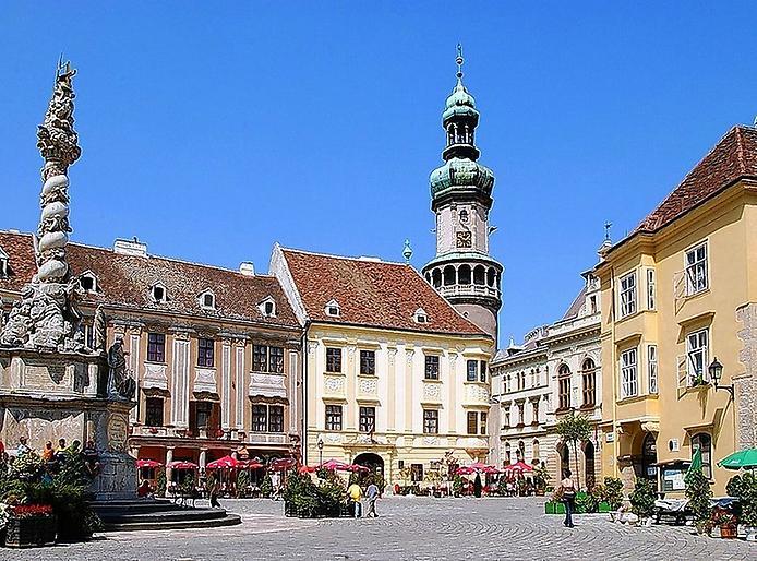 Найбільш середньовічне місто Угорщини (7)