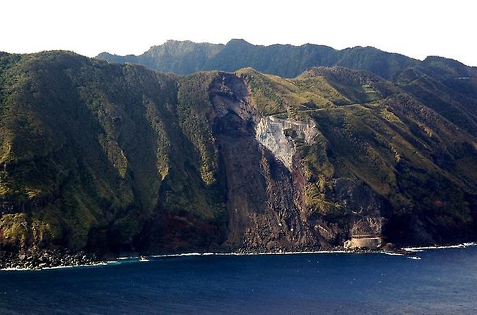 Найнезвичайніший вулканічний острів Японії. Аогашіма (9)