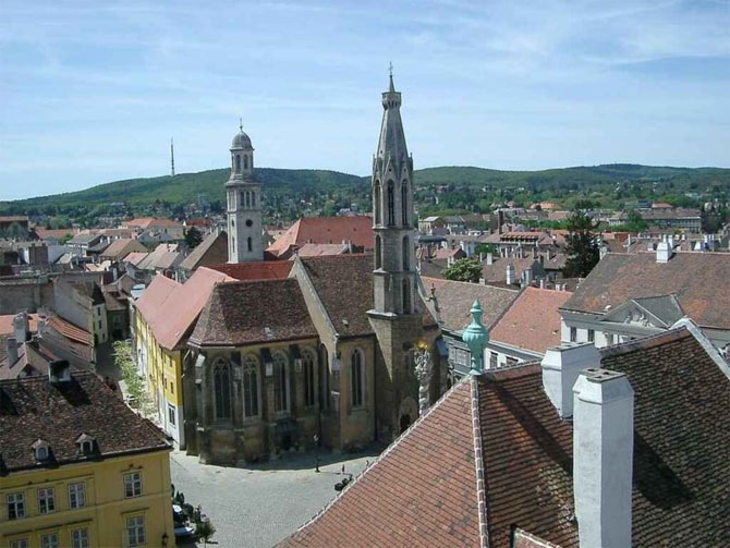 Найбільш середньовічне місто Угорщини (5)
