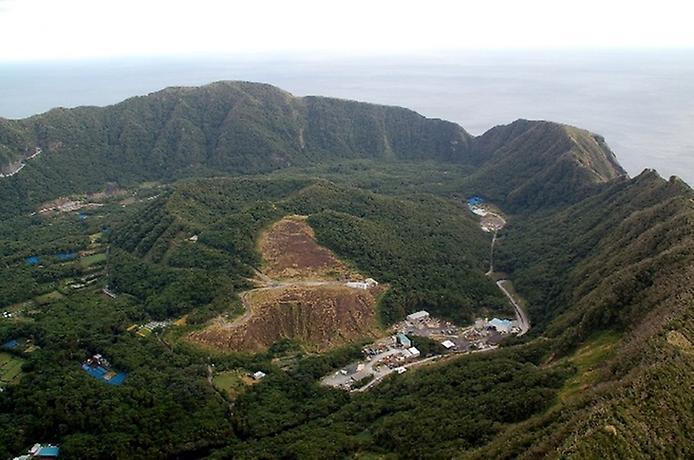 Найнезвичайніший вулканічний острів Японії. Аогашіма (8)