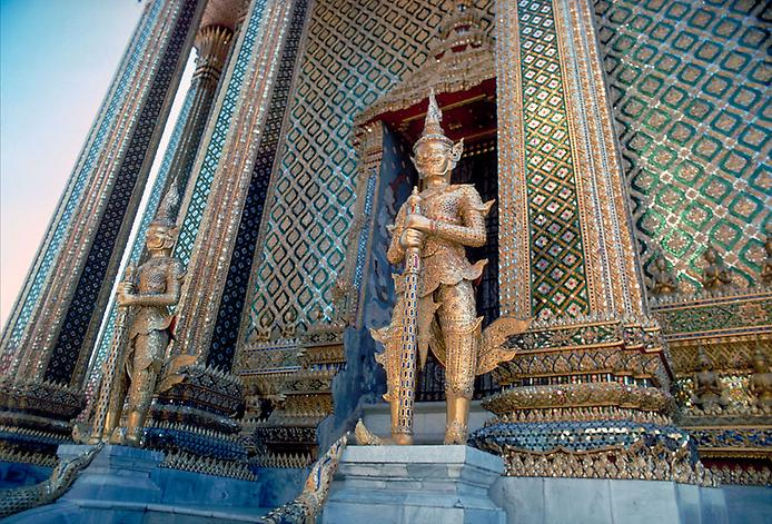 Храм Смарагдового Будди. Ват Пхра Кео (5)