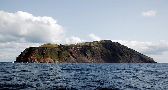 Найнезвичайніший вулканічний острів Японії. Аогашіма (6)