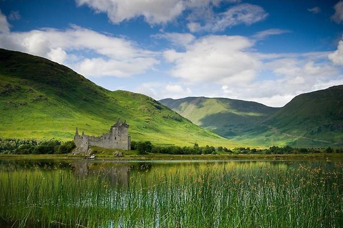 Замок Кілхурн в Шотландії (7)