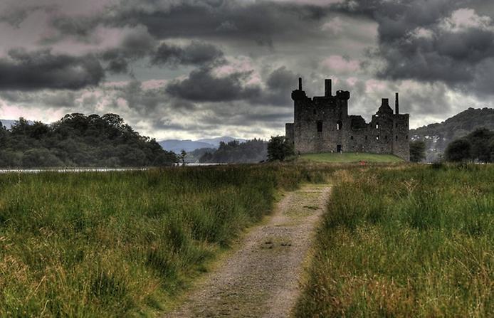 Замок Кілхурн в Шотландії (4)