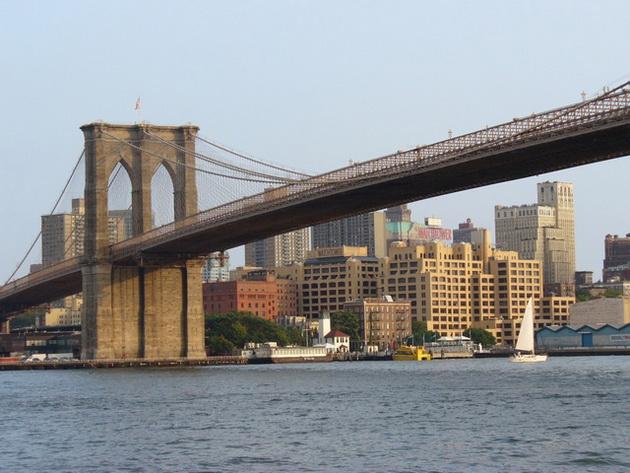 Бруклінський міст - один із символів Нью-Йорка (13)