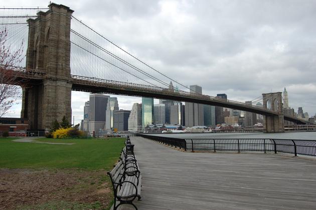 Бруклінський міст - один із символів Нью-Йорка (12)