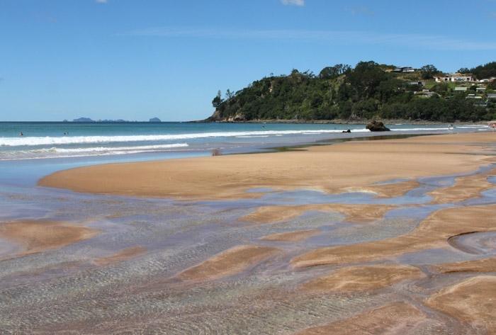 Природний спа-відпочинок: дивовижний пляж Hot Water Beach в Новій Зеландії! (1)