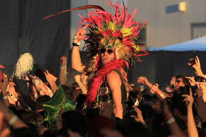 Фестиваль музики і мистецтв в долині Коачелла збирає екстравагантну публіку