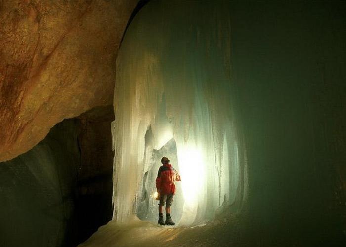 В гостях у Снігової королеви: The Eisriesenwelt - найбільша крижана печера (4)