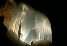 В гостях у Снігової королеви: The Eisriesenwelt - найбільша крижана печера (1)