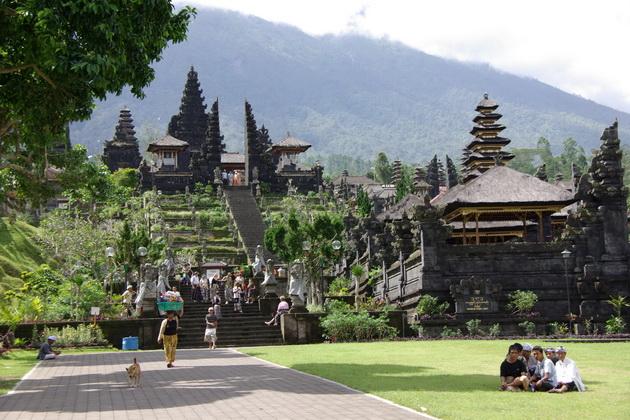 Храм Пура Бесакіх на Балі (9)