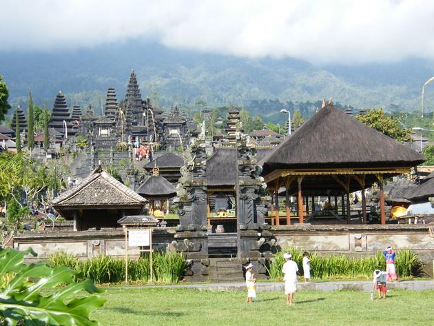 Храм Пура Бесакіх на Балі (8)