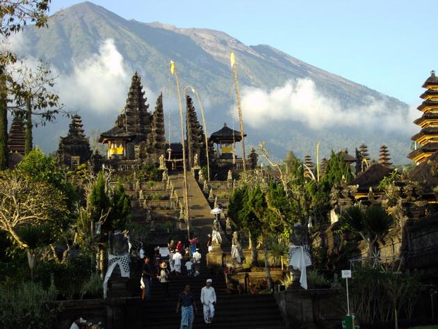 Храм Пура Бесакіх на Балі (6)